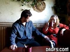 Чаепитие с русской девкой обернулось знойной еблей