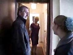 Русская семейная пара организовала свинг вечеринку